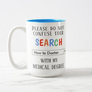 Beställnings- gåva för doktorer Två-Tonad mugg