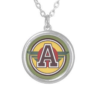 """Beställnings- Monogram """"A"""" märka med sina Silverpläterat Halsband"""
