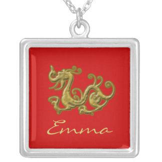 Beställnings- rött och guld- drakehalsband silverpläterat halsband