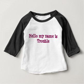 """""""Besvärar hejer som mitt namn är,"""" - behandla som T Shirts"""