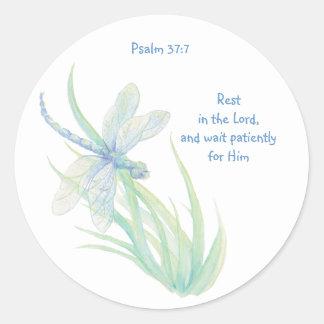 Bibelscripturen vilar i lorden Psalm Slända Runt Klistermärke