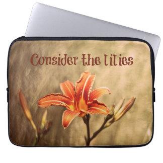 BibelVerse: Betrakta liljarna Laptop Sleeve