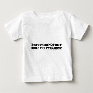 Bigfoot hjälpte INTE att bygga de grundläggande Tee Shirt