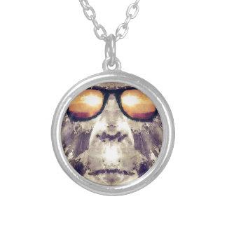 Bigfoot skuggar in silverpläterat halsband