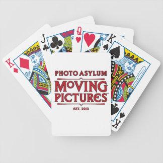 Bilder för fotoasylflytta som leker kort spelkort