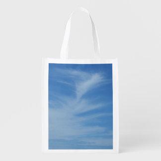 Blå himmel med fotoet för natur för vitmoln det återanvändbar påse