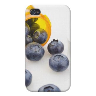 Blåbär som spiller från receptflaskan iPhone 4 fodral