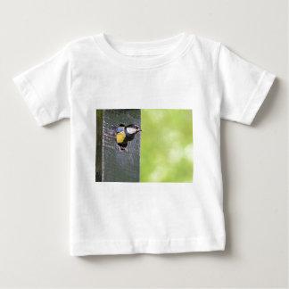 Blackbirdföräldern i hål av bygga bo boxas t shirt