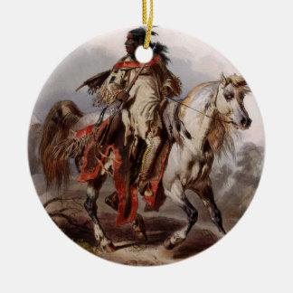 Blackfoot indier på den arabiska hästen som jagas julgransprydnad keramik