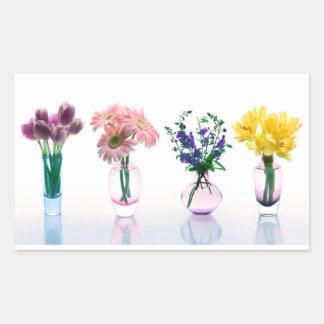 Blandade färgrika lilor för blommatulpandaisy rektangulärt klistermärke