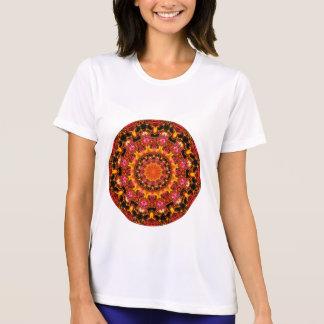 Blänka den guld- mandalaen, abstrakt röd orange t shirts