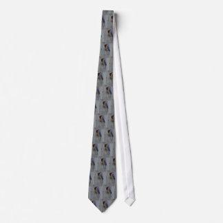Blåsångaren boxas på tien slips