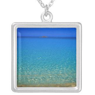 Blått bevattnar, Exuma öar, Bahamas. Silverpläterat Halsband
