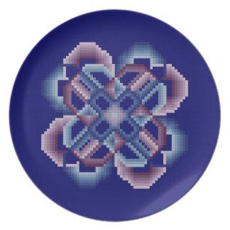 Blått och purpurfärgat galet cirklar pläterar tallrik