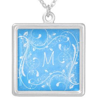 Blått och vit virvlar runt Monogramhalsbandet Silverpläterat Halsband