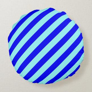 Blått på blått - tända metat rund kudde