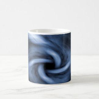 Blåttabstrakt som virvlar runt tunnelen kaffemugg