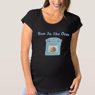 Blåttbulle i designen för ugnsnoveltymoderskap t-shirt