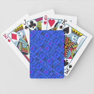 Blåttdollarräkning som leker kort spelkort