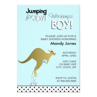 Blåttkängurubanhoppning för glädjepojkebaby shower 12,7 x 17,8 cm inbjudningskort