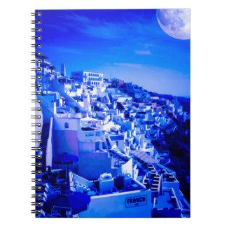 Blåttmåne över Fira Santorini Spiralbundna Anteckningsböcker