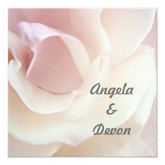 Blek - rosa rosbröllopinbjudningar fyrkantigt 13,3 cm inbjudningskort
