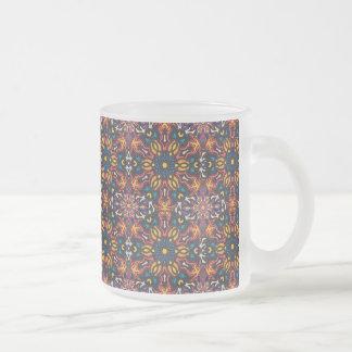 Blom- design för mandalaabstraktmönster frostad glasmugg