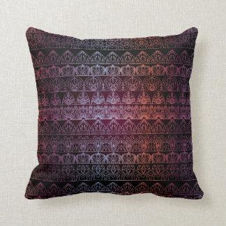Blom- lyxigt kungligt antikt mönster kudde
