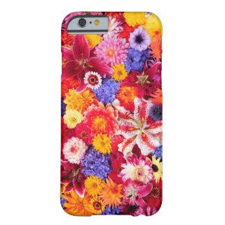 Blommadesign av Dalhia, orientaliska liljar, Barely There iPhone 6 Skal