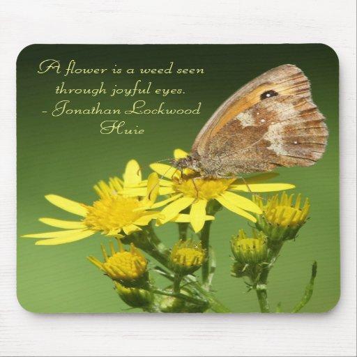Blomman är en ogräsfjäril Mousepad Mus Matta