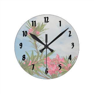 blommigt florida för oleanderbuskeblomma rund klocka