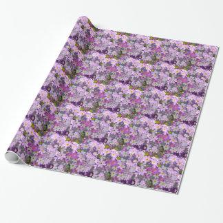 Blommigt i lila presentpapper