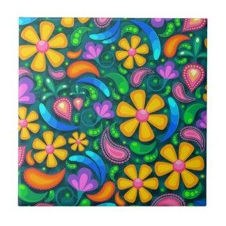 blommigt kakelplatta
