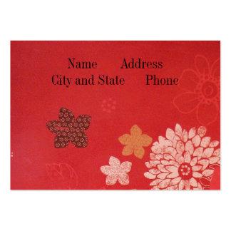 Blommor på rött visit kort