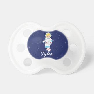 Blond astronaut i utrymme napp