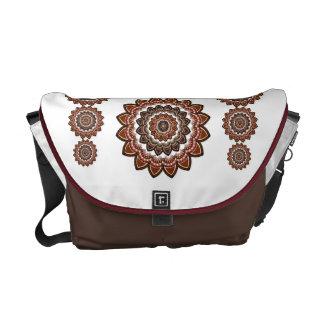Bohemiskt mönster kurir väskor