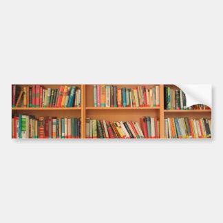 Bokar på bokhyllabakgrund bildekal