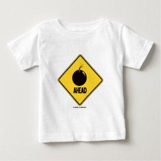 (Bombardera), framåt (varna underteckna humorn), T Shirts