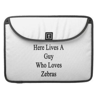 Bor här en grabb som älskar zebror sleeves för MacBook pro