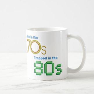 Bördigt 70-tal som fångas i 80-talmuggen kaffemugg