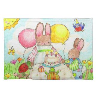 bordstablett för kaninkrypfödelsedag