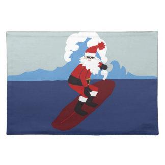 Bordstablett som surfar Santa