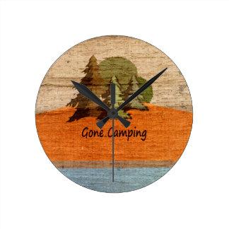 Borta campa Wood Looknaturälskare Medium Rund Klocka