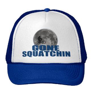 Borta Squatchin Sasquatch på cykeln med månehatten Trucker Keps