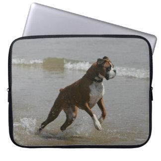 Boxarehund i vatten laptop fodral