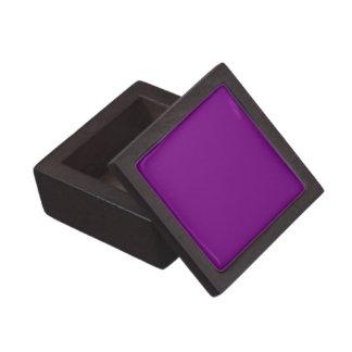 Boxas den purpurfärgade högvärdiga gåvan för fast premie presentförpackning