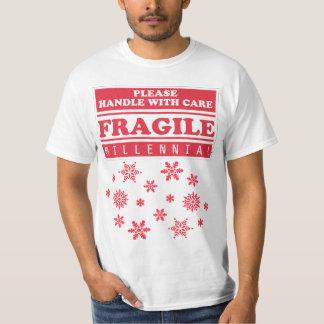 Bräckligt Millennial, handtag med omsorgsnöflingor T Shirts
