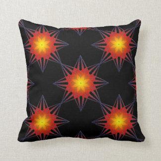 Bränd blomma för stjärna för orangesvartgult kudde