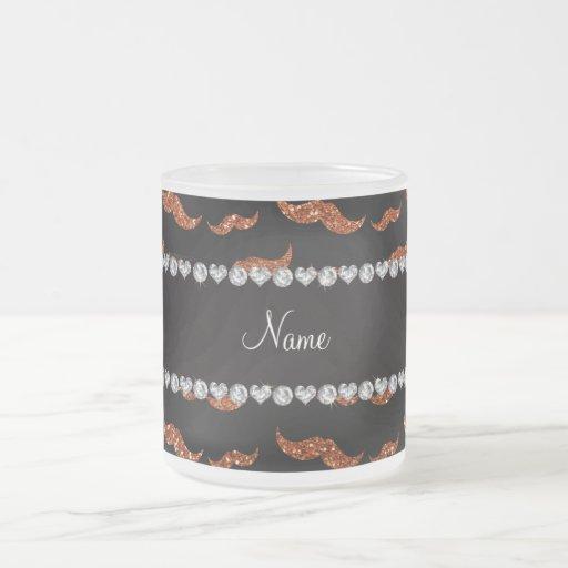 Brända orange glittermustascher för personlig namn kaffe koppar