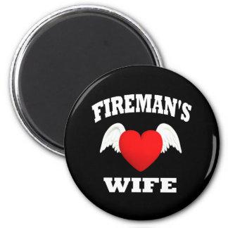 Brandman fru magnet